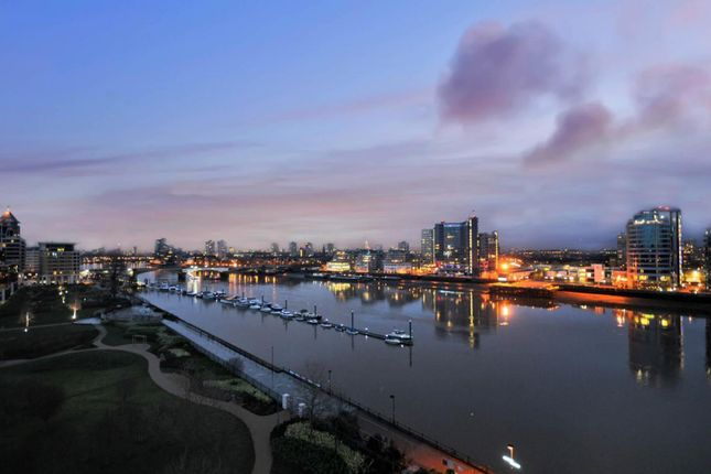 Thumbnail Flat for sale in Regent On The River, Fulham