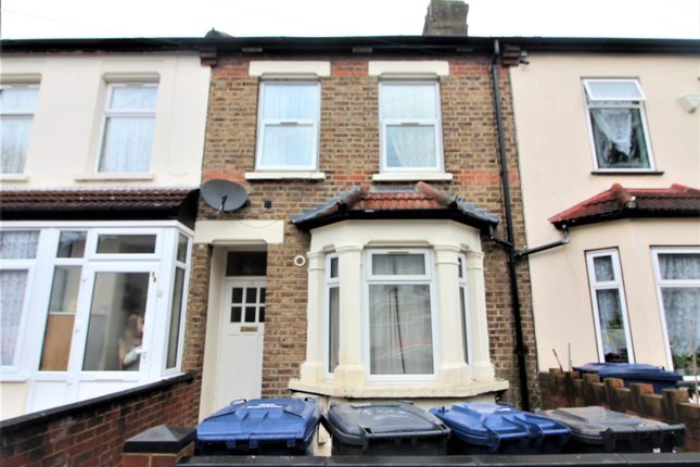 Thumbnail Flat to rent in Queens Road, Southall, Middlesex