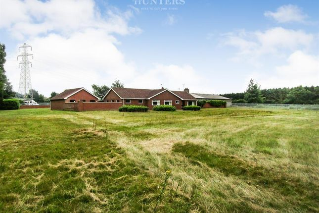 Thumbnail Bungalow for sale in Butterwick Road, Messingham, Scunthorpe