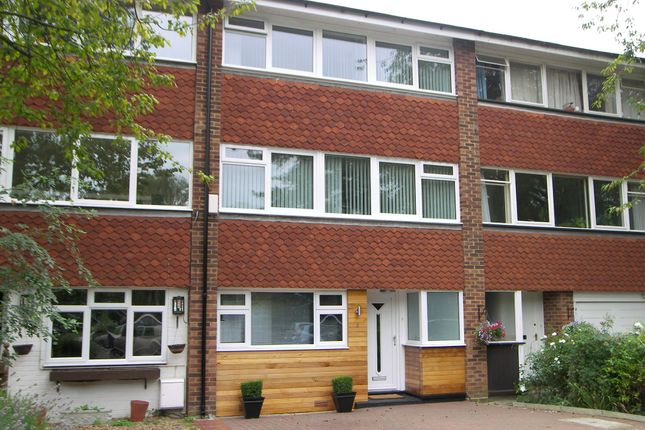 4 bed town house to rent in Kingfisher Drive, Ham, Richmond