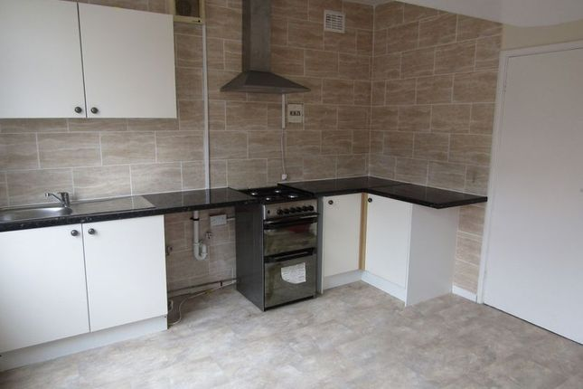 Thumbnail Flat to rent in High Street, Messingham, Scunthorpe