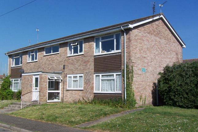 Thumbnail Property to rent in Brooks Close, Ringwood