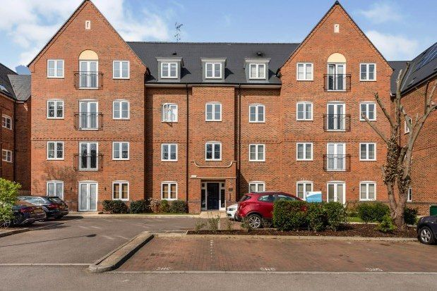 2 bed flat to rent in Leighton Road, Leighton Buzzard LU7