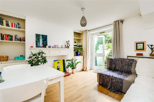 Reception of Chepstow Road, London W2