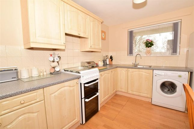 Thumbnail Terraced house for sale in Stoneyfield, Edenbridge, Kent