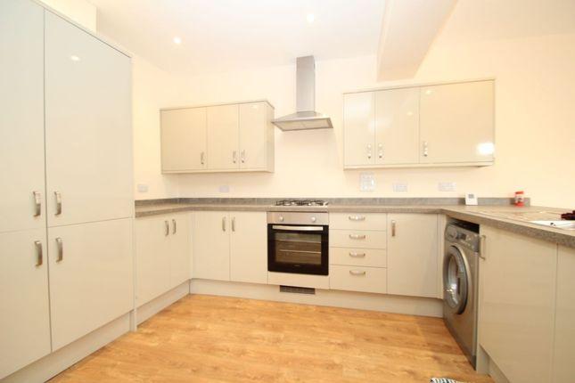 Thumbnail Property to rent in Stanley Road North, Rainham