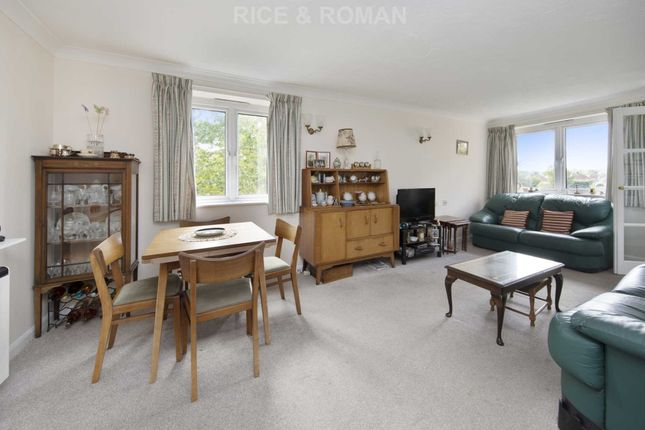 Thumbnail Flat for sale in Royston Court, Hinchley Wood