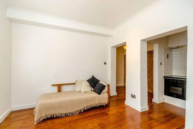 Thumbnail Flat to rent in Cambalt Road, Putney