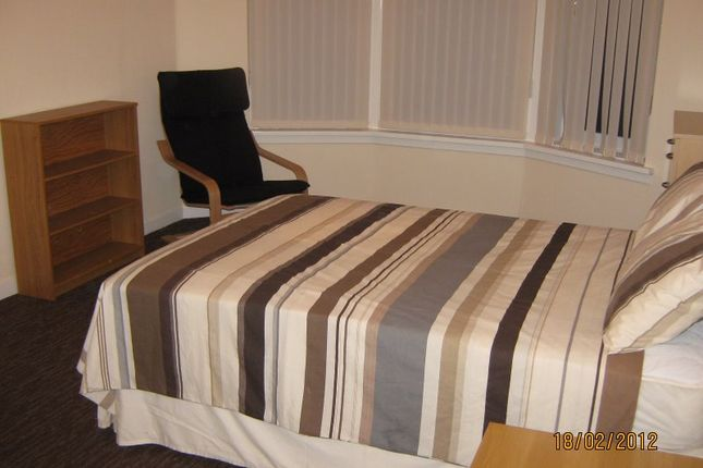 Thumbnail Flat to rent in Whitecrook Street, Clydebank, West Dunbartonshire