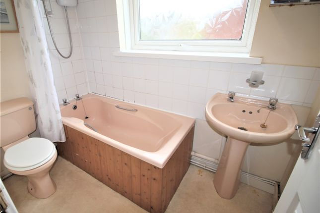 Bathroom of Llysgwyn, Llangyfelach, Swansea SA6