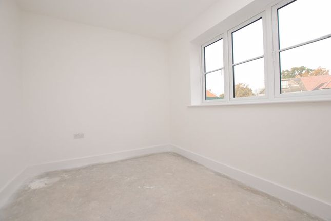 Photo 15 of Romill Close, West End, Southampton SO18