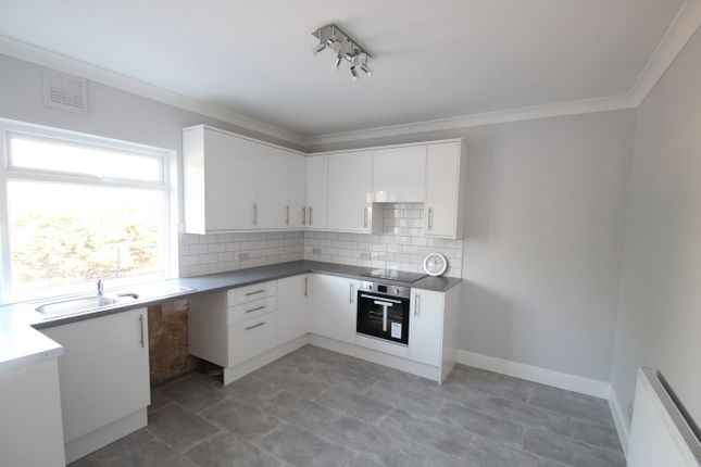 Thumbnail Maisonette to rent in Crescent Way, Orpington