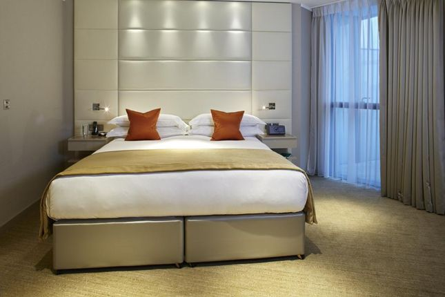 Thumbnail Flat to rent in Cheval Three Quays, Lower Thames Street