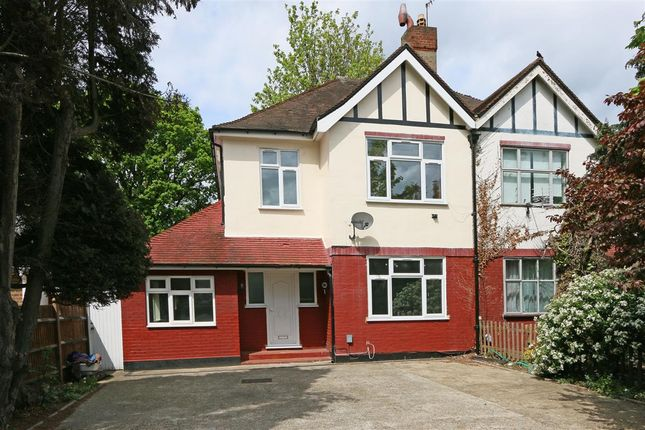 Thumbnail Terraced house to rent in Roehampton Vale, London