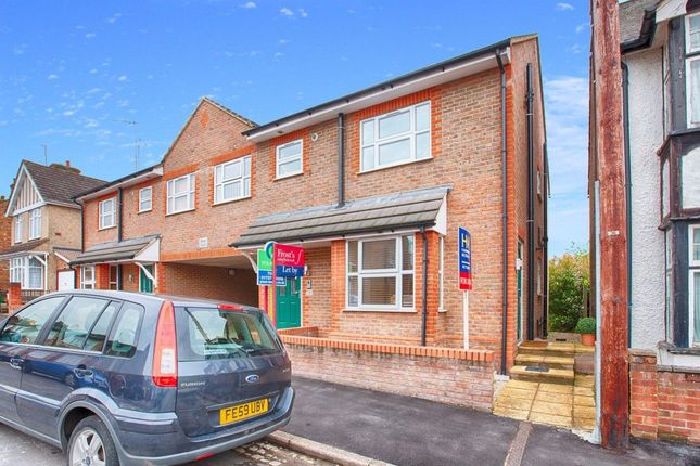 2 bed maisonette to rent in Royston Road, St.Albans AL1