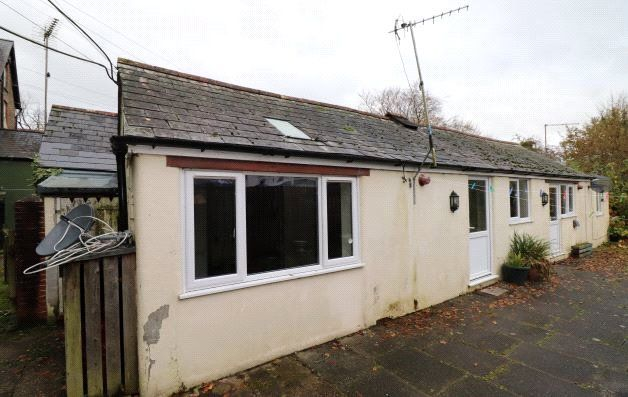 Thumbnail Bungalow to rent in North Road, Holsworthy