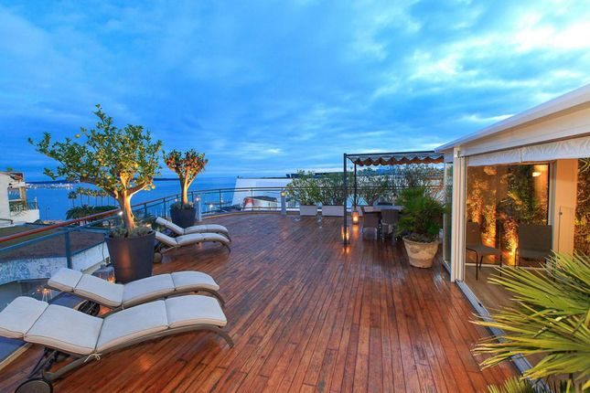 Studio for sale in Cannes, Array, France