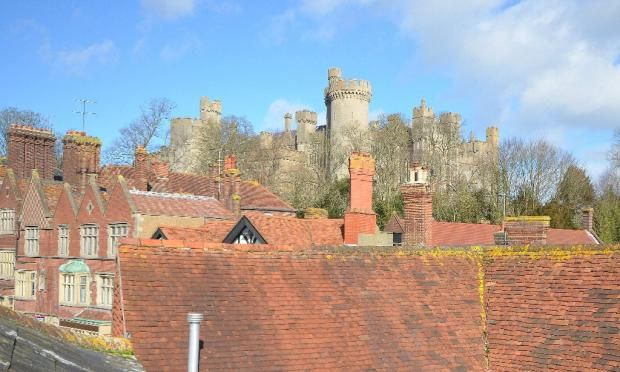 Thumbnail Flat to rent in High Street, Arundel