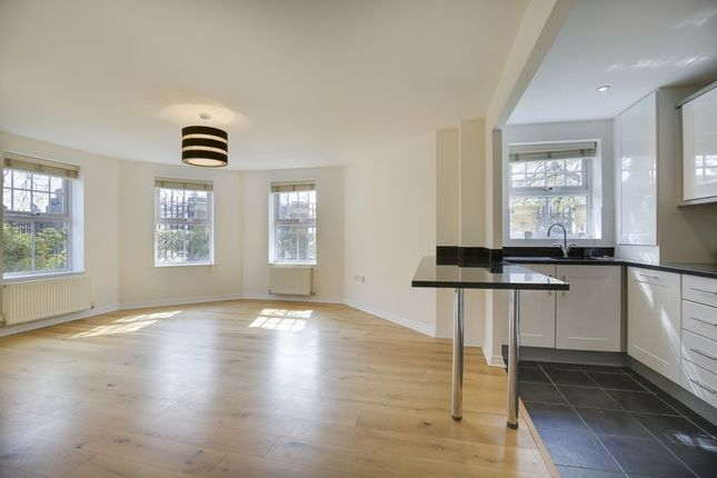 Thumbnail Flat for sale in Enders Close, Enfield
