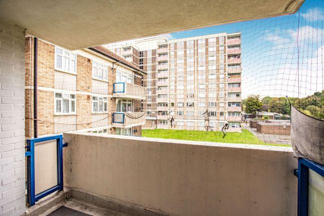 Balcony of Broomcroft Avenue, Northolt UB5