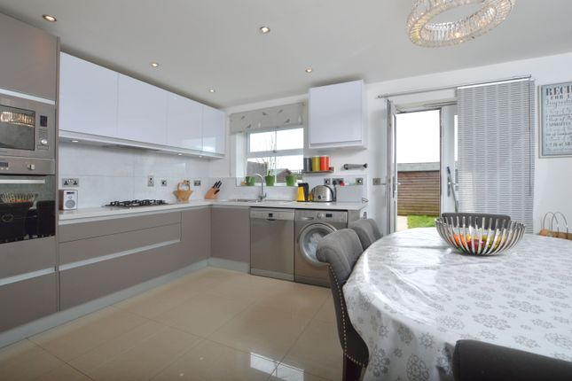 Thumbnail Property to rent in Gilson Place, Coppetts Road, Muswell Hill