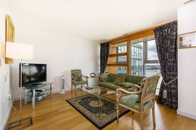 Thumbnail Flat to rent in Falcon Wharf, Battersea