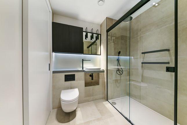 Bathroom of Keybridge House, Exchange Gardens, Vaxuhall SW8
