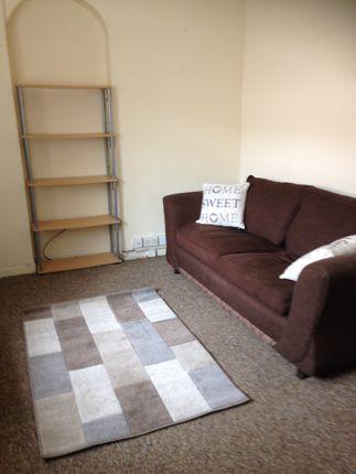 1 bedroom flat to rent in Bond Street, Sandfields, Swansea