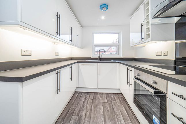 Thumbnail Flat to rent in Victoria Road, Bridlington, East Riding Of Yorkshi
