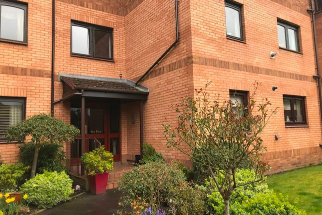 2 bedroom flat to rent in Millholm Road, Netherlee, Glasgow