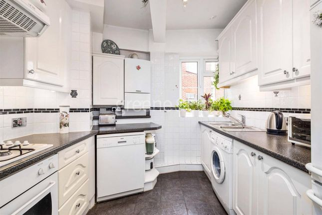 2 bed flat for sale in Embassy House, Cleve Road, London