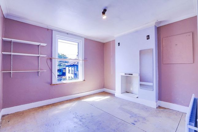 Master Bedroom of Sussex Road, South Croydon CR2