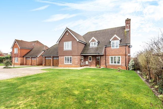 Thumbnail Detached house for sale in Botley Road, Burridge, Southampton