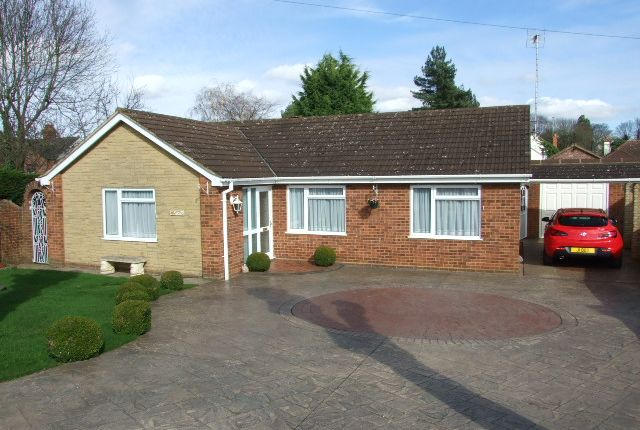 Thumbnail Bungalow for sale in Lime Grove, Woburn Sands