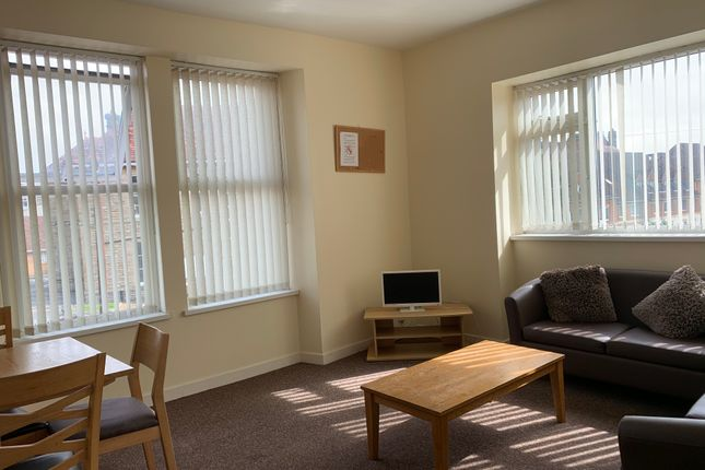 4 bed shared accommodation to rent in Phillip's Parade, Sandfields, Swansea SA1