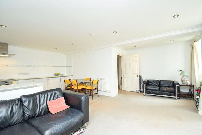Thumbnail Flat for sale in Hornsey Lane, Highgate