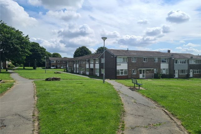 Thumbnail Flat to rent in Windsor View, Dewsbury