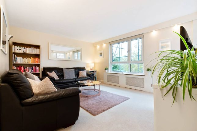 Thumbnail Flat to rent in Newell Street, London