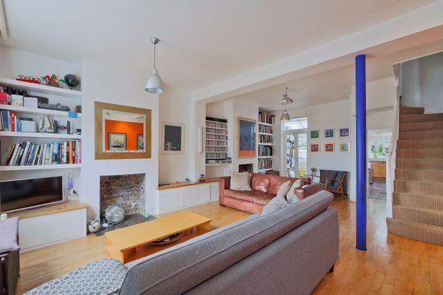 Thumbnail Terraced house to rent in Barnet Grove, London