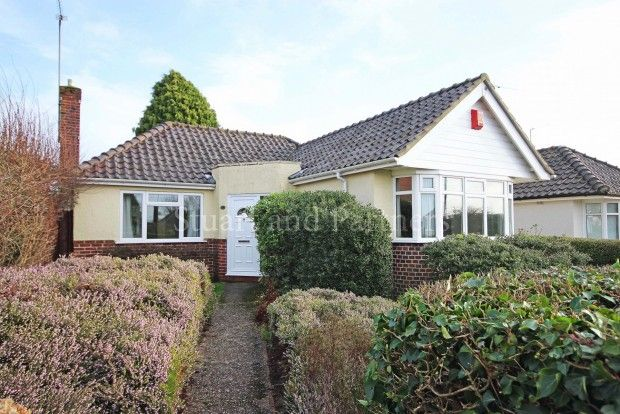Thumbnail Bungalow to rent in Ann Close, Hassocks
