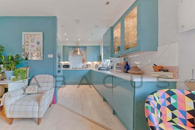 Thumbnail Flat for sale in Hawarden Hill, Gladstone Park
