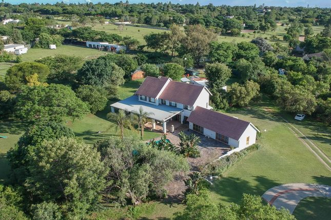 Thumbnail Country house for sale in Zinnia Road, Kyalami, Midrand, Gauteng, South Africa