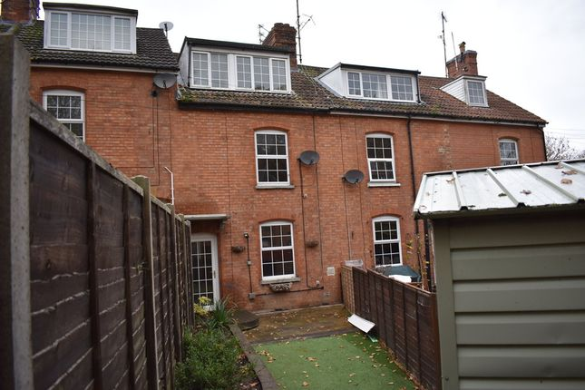 Thumbnail Terraced house to rent in Somerset Place, Yeovil