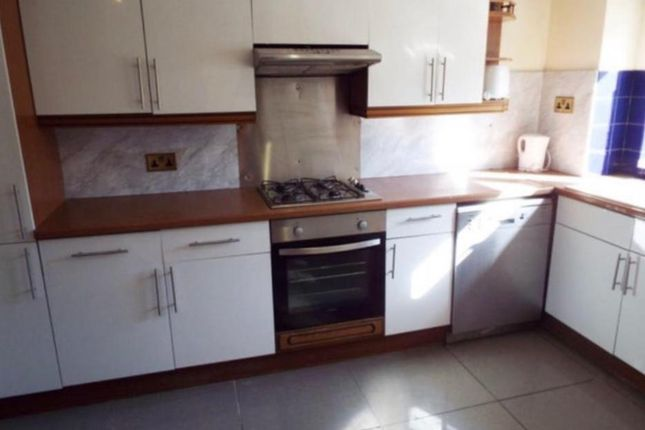 Thumbnail Property to rent in Middle Street, Southsea