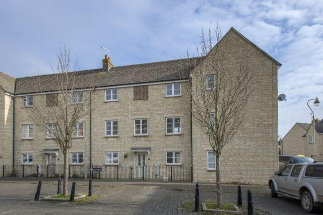 Thumbnail Terraced house to rent in Oakmead, Witney