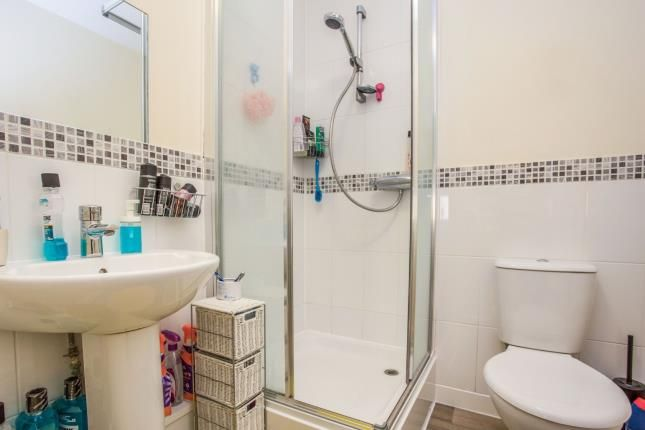 Ensuite of Wey House, Taywood Road, Northolt UB5