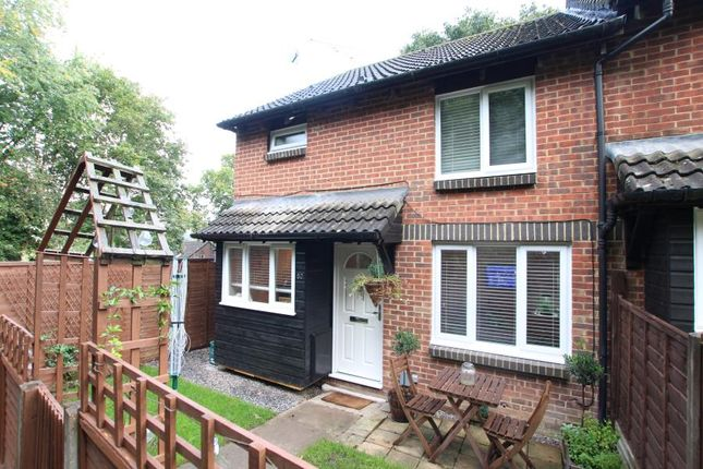 1 bed end terrace house to rent in Overthorpe Close, Knaphill, Woking