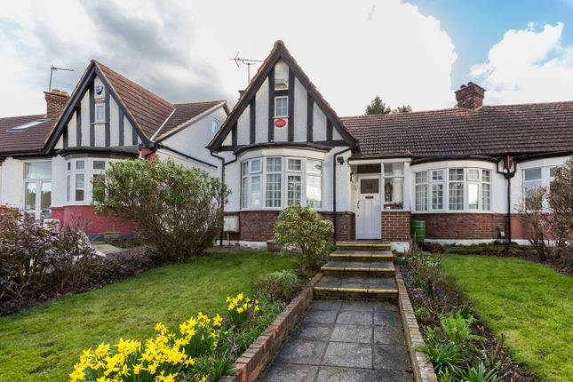 Thumbnail Bungalow for sale in Crossway, Enfield