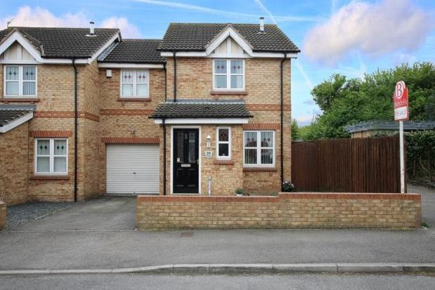 Thumbnail Town house to rent in The Green, Woodlaithes, Rotherham