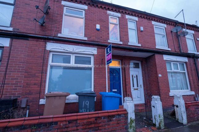 3 bed property to rent in Wellington Terrace, Salford